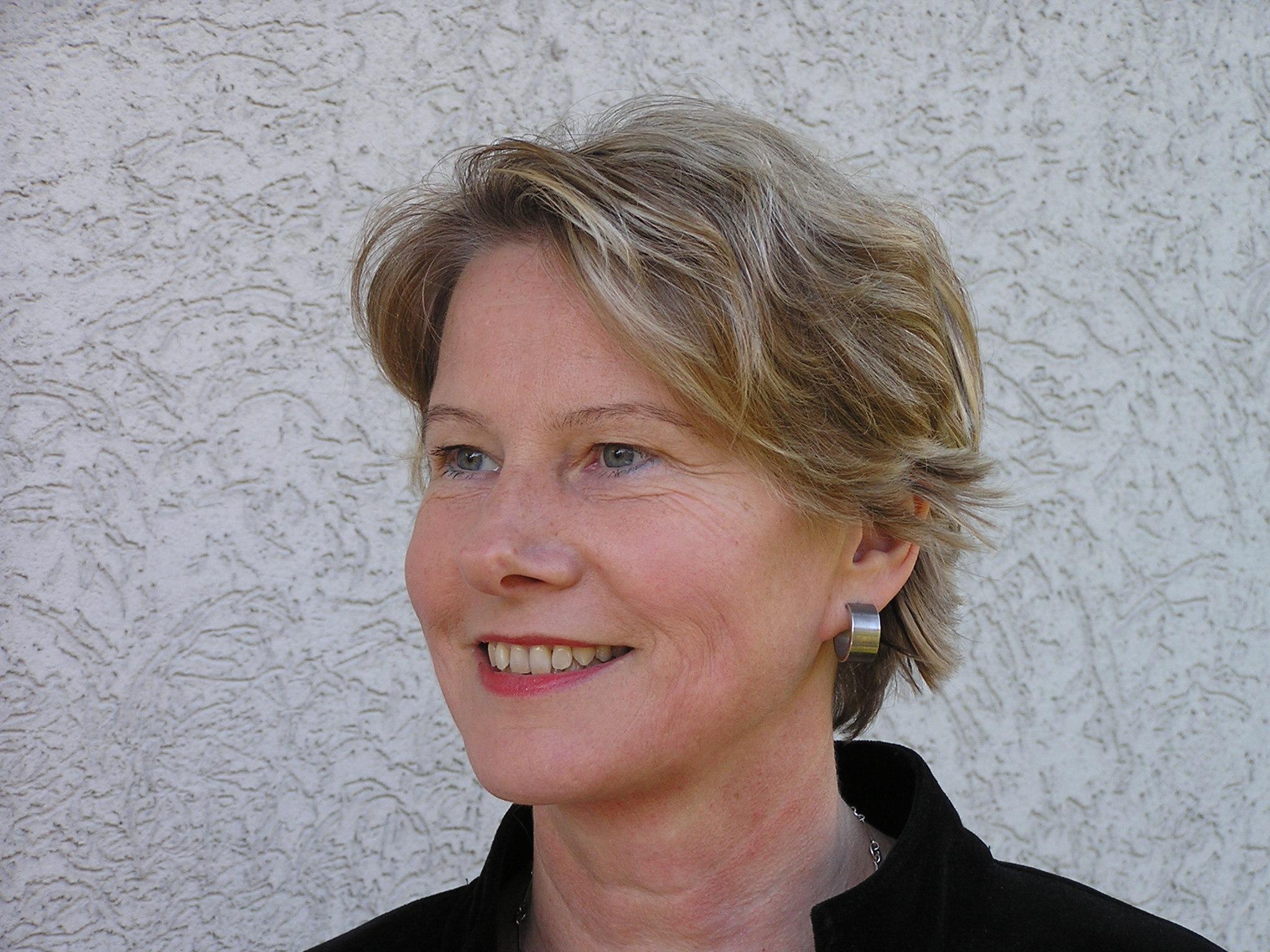 Karin Dzionara, Redakteurin, Journalistin
